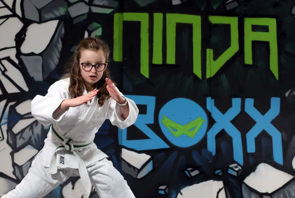 A brand new ninja warrior-inspired assault course is set to open at The Boulevard in Banbridge, bringing a sense of adventure to family fitness. Ninja Boxx will celebrate its opening weekend on 19 January, occupying a 7265 sq ft unit at The Boulevard. This significant £200,000 investment will be the first of its kind in the area and is expected to create up to 20 new jobs. Suitable for everyone from 6 years of age, the new adventure centre encourages children and adults of all ages to reap the benefits of exercise, with 25 unique obstacle style challenges designed to put balance, coordination, speed and agility to the test.
