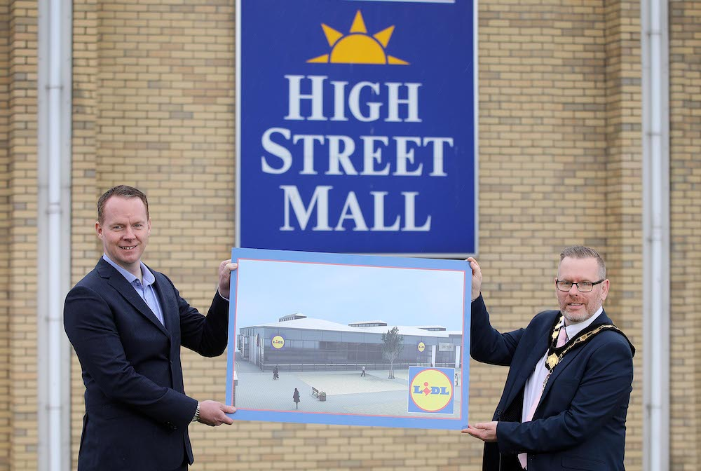 Portadown's High Street Mall set for new Lidl Northern Ireland early next year: Lidl Northern Ireland has confirmed its brand new £6 million store will open at High Street Mall in Spring 2021, creating 20 permanent new jobs and supporting up to 100 more through the planning and construction phases. The new Lidl Northern Ireland store is in addition to a £4 million transformational investment and re-development of the popular town centre shopping destination. Pictured announcing the investment are (L-R) Conor Boyle, Regional Director Lidl Northern Ireland and Lord Mayor Kevin Savage, Armagh City, Banbridge and Craigavon Borough Council.